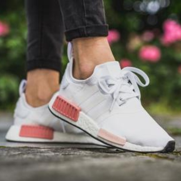 best authentic 46ceb 438e4 Adidas White / Pink Nmd R1 W Sneakers